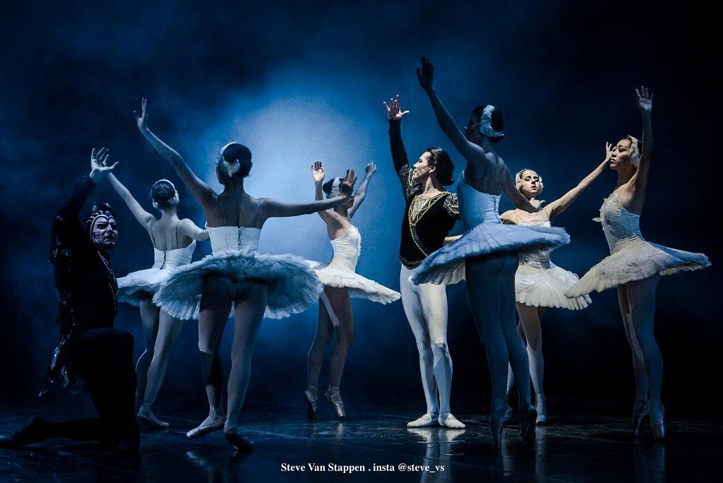 Moscow-City-Ballet-12-STEVE-VAN-STAPPEN-copyright-exclusive-rightjpgjpg.jpg